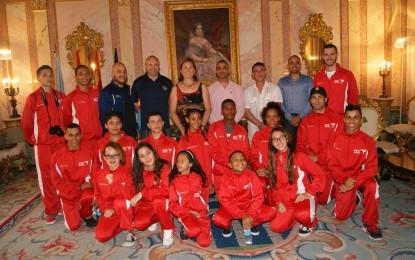 La Concejala de Deportes recibe a la Selección de Taekwondo de Puerto Rico