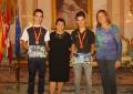 La alcaldesa y la concejala de deportes reciben a los Campeones de España de Tiro con Arco