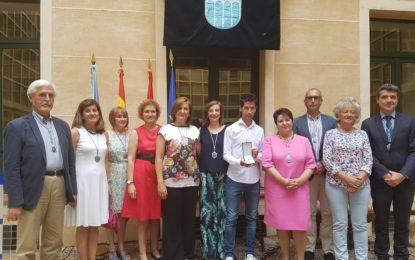 Acto de Entrega de la Medalla al Mérito Deportivo a Javier Guerra