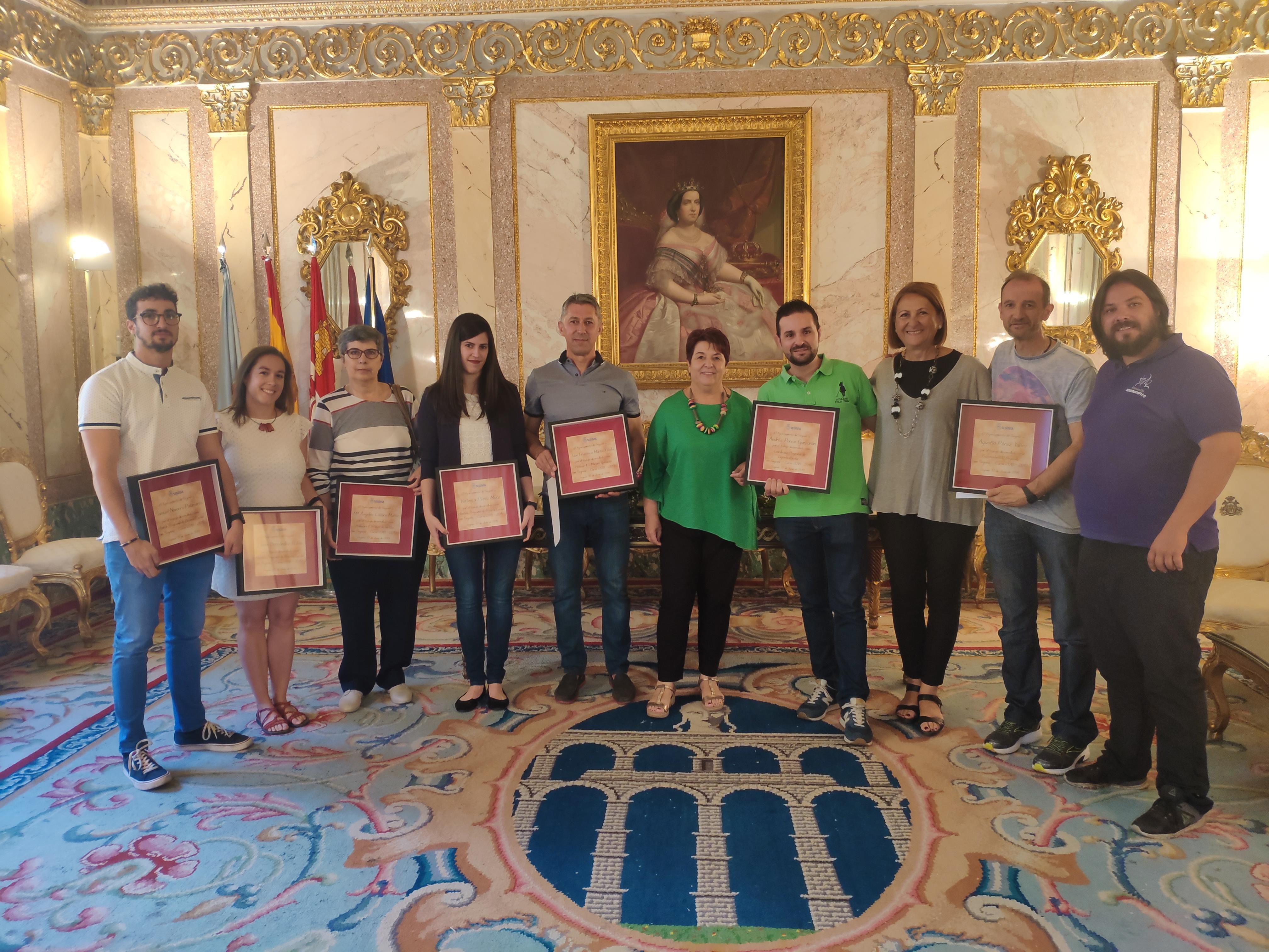 El Ayuntamiento de Segovia reconoce el trabajo realizado por profesores, monitores y entrenador implicados en el programa integral de Deporte Escolar
