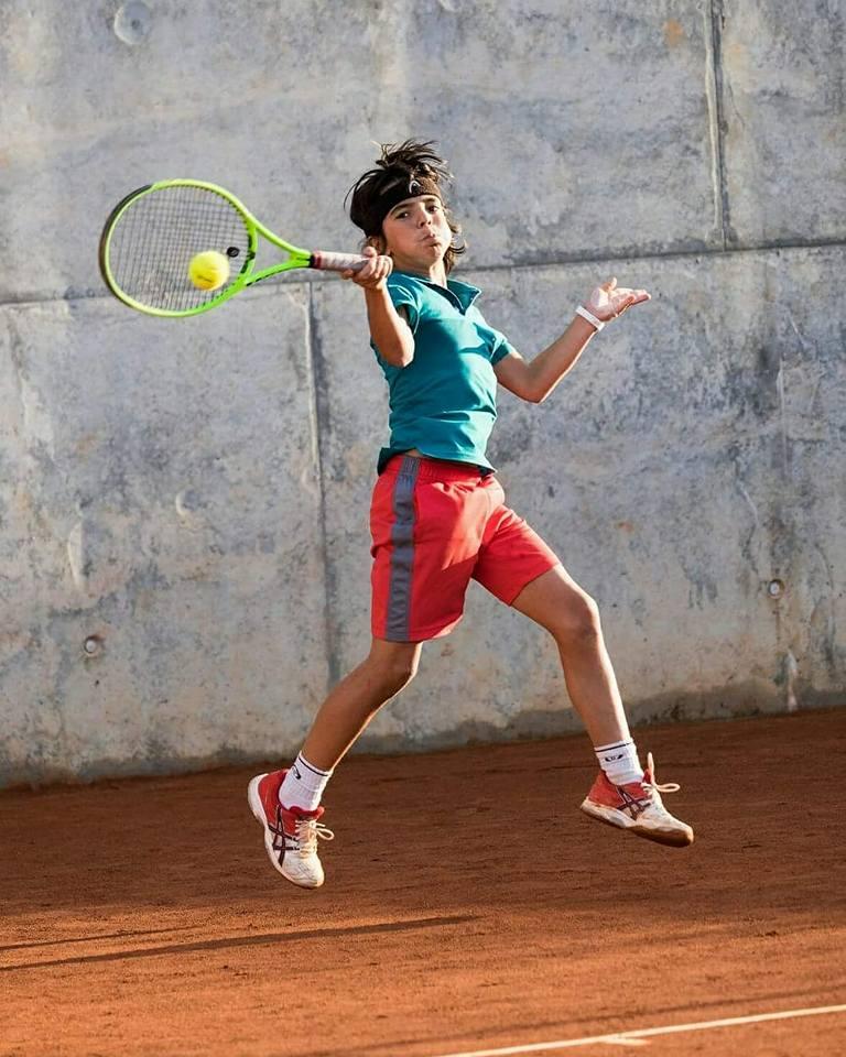 Cerca de un centenar de tenistas disputaron el VII Nacional Torneo Puente de Diciembre