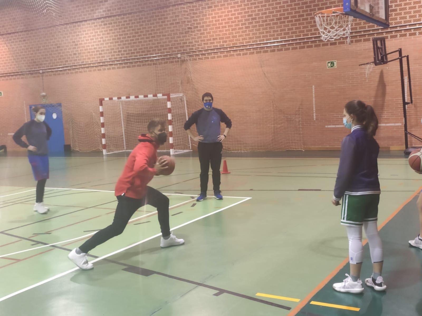 Centro de Tecnificación de Baloncesto: La finalización a canasta como último gesto para anotar