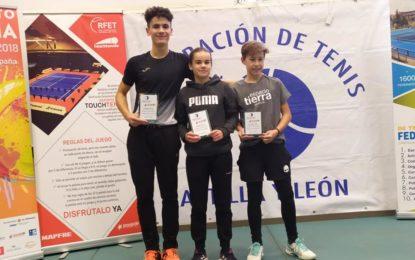 Jimena de Pablos, Víctor Álvarez y Marcos Muñoz destacan en el Máster Juvenil organizado por FETECAL