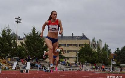 Alba Martínez Díez, consigue una gran marca en los 400 m.v con 1:04.49