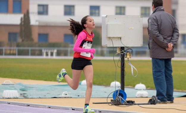 La atleta del CAS-Ciudad de Segovia Chaymae Mezzat se clasifica cuarta cadete, con serias opciones de ir al Nacional