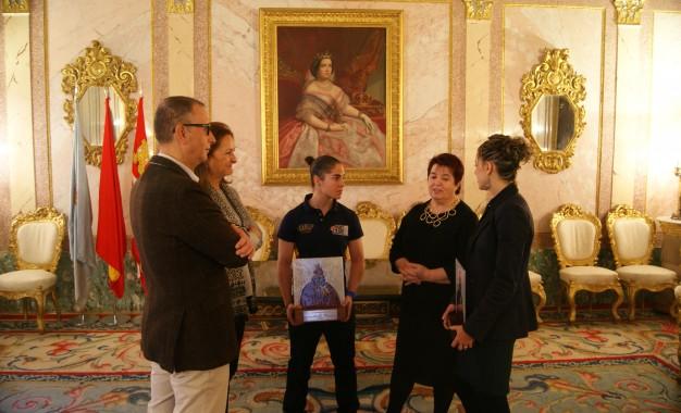 Recepción en el Ayuntamiento a las deportistas Carolina García y Lara García