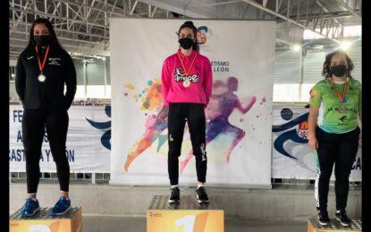Daniela Gómez Navalón, campeona de Castilla y León de lanzamiento de peso en Pista Cubierta