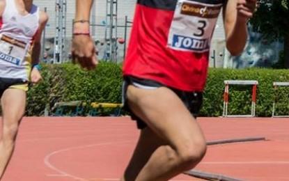 El Atleta del Hotel Cándido, Eduardo Esteban Pascual, consigue el triunfo en los 800 m.l.