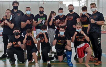 Club Victoria-Kick Boxing: Campeonato Regional 2021 Cargado de medallas