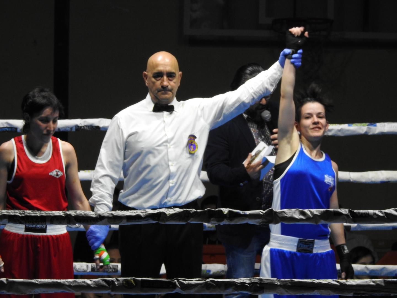 Rocío Suárez obtiene otra victoria más para su récord deportivo en una Velada de Boxeo