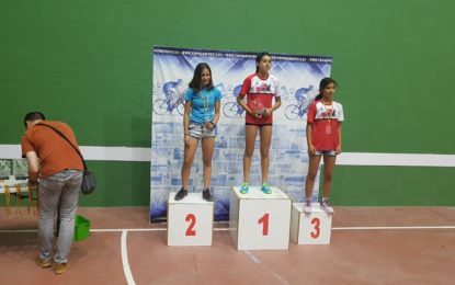 Zoila Sicilia, del Club Triatlón IMD Segovia, subcampeona regional infantil de Triatlón Cross