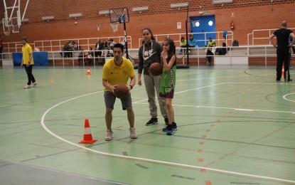 La jugadora Elisa Martínez, y el jugador Pedro Rivero, en el Centro de Tecnificación