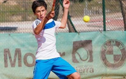 Un centenar de tenistas disputaron el tradicional Torneo de Semana Santa en Espacio Tierra