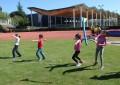 Deporte Escolar: Encuentros de Atletismo, Iniciación en Bici y Juegos Tradicionales