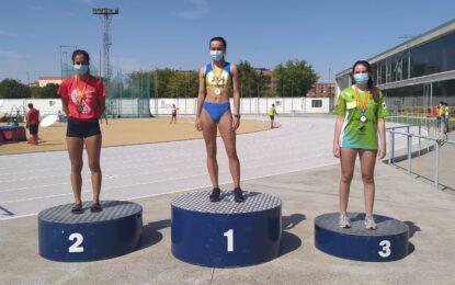 Sofía Martín, campeona autonómica, con mínima nacional y seleccionada, con el equipo Absoluto de Castilla y León