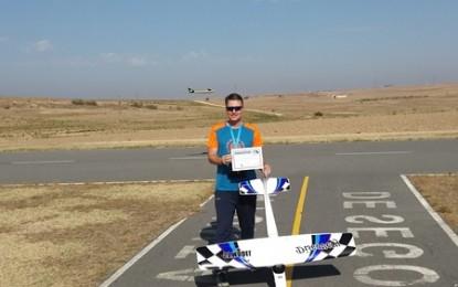Curso de Pilotos de Aeromodelismodel Club Los Halcones
