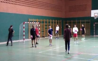 La Escuela de Balonmano de la UVA en colaboración con el IMD y el CD Nava, con gran acogida