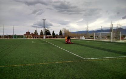 El IMD acondiciona los campos de hierba artificial de Nueva Segovia