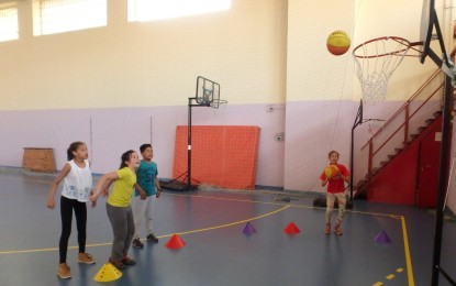 Los alumnos de Educación Primaria, Secundaria y Bachillerato, los protagonistas de los encuentros polideportivos de los viernes