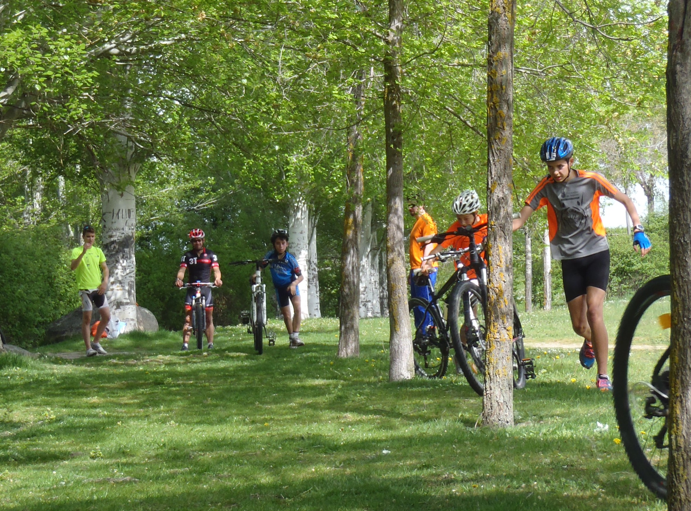 La Escuela de Triatlón del Club Triatlón IMD Segovia retoma los entrenamientos para el curso 2020/21