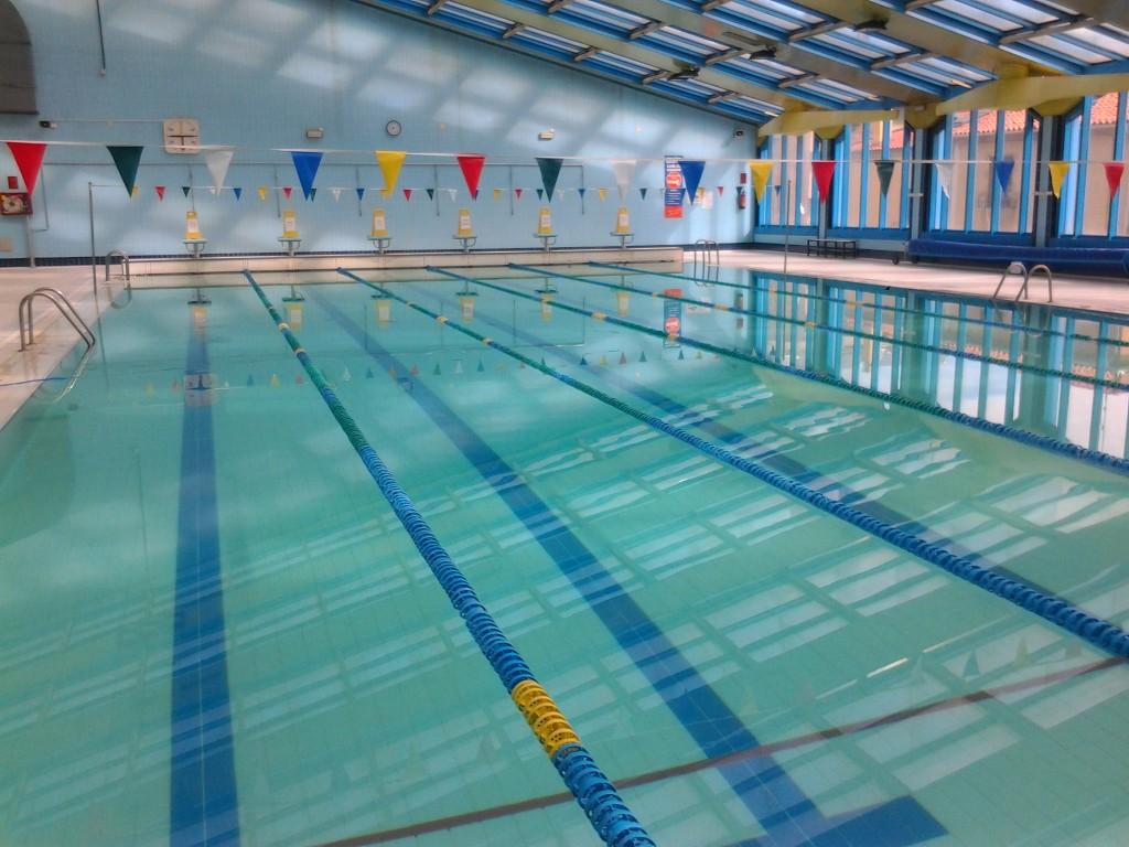La apertura de la piscina climatizada jos carlos casado se demora hasta el sellado definitivo - Piscina climatizada segovia ...