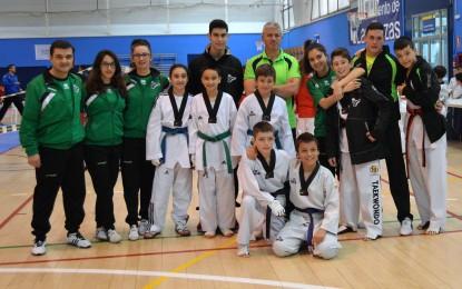 Representación segoviana en el I Trofeo de Taekwondo UNED